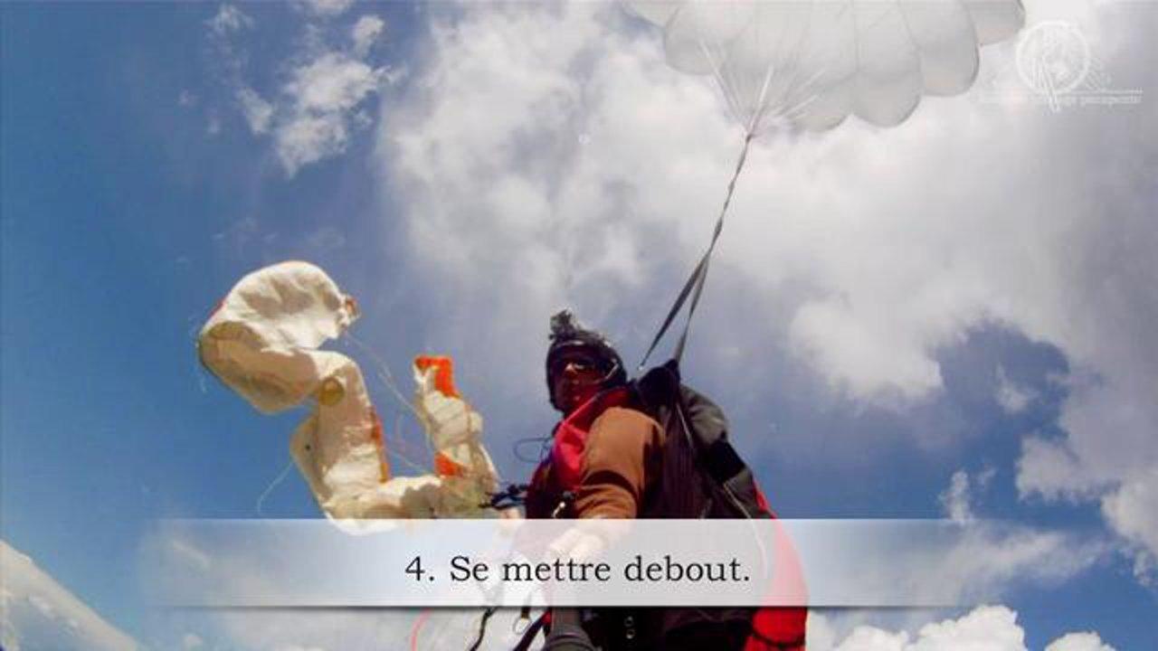 Largage du parachute de secours avec l'école K2