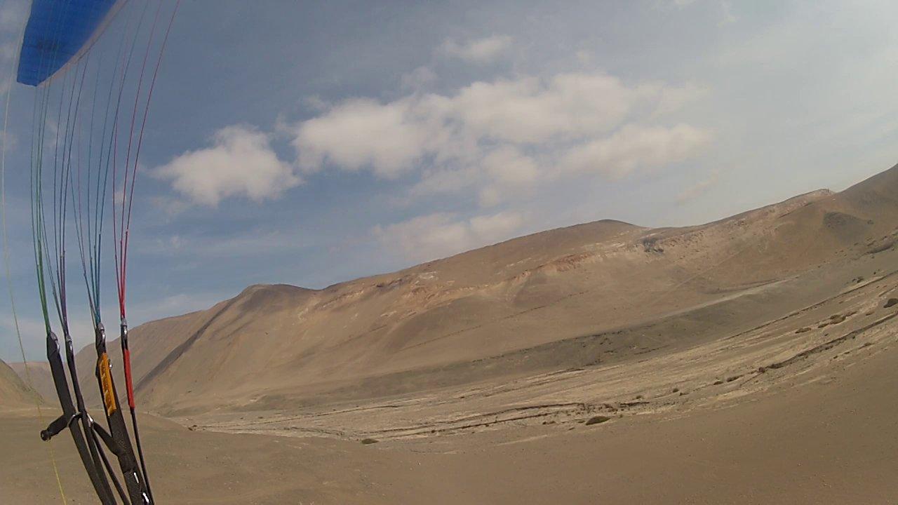 Vol sur le site parapente Pisaga (Chili)