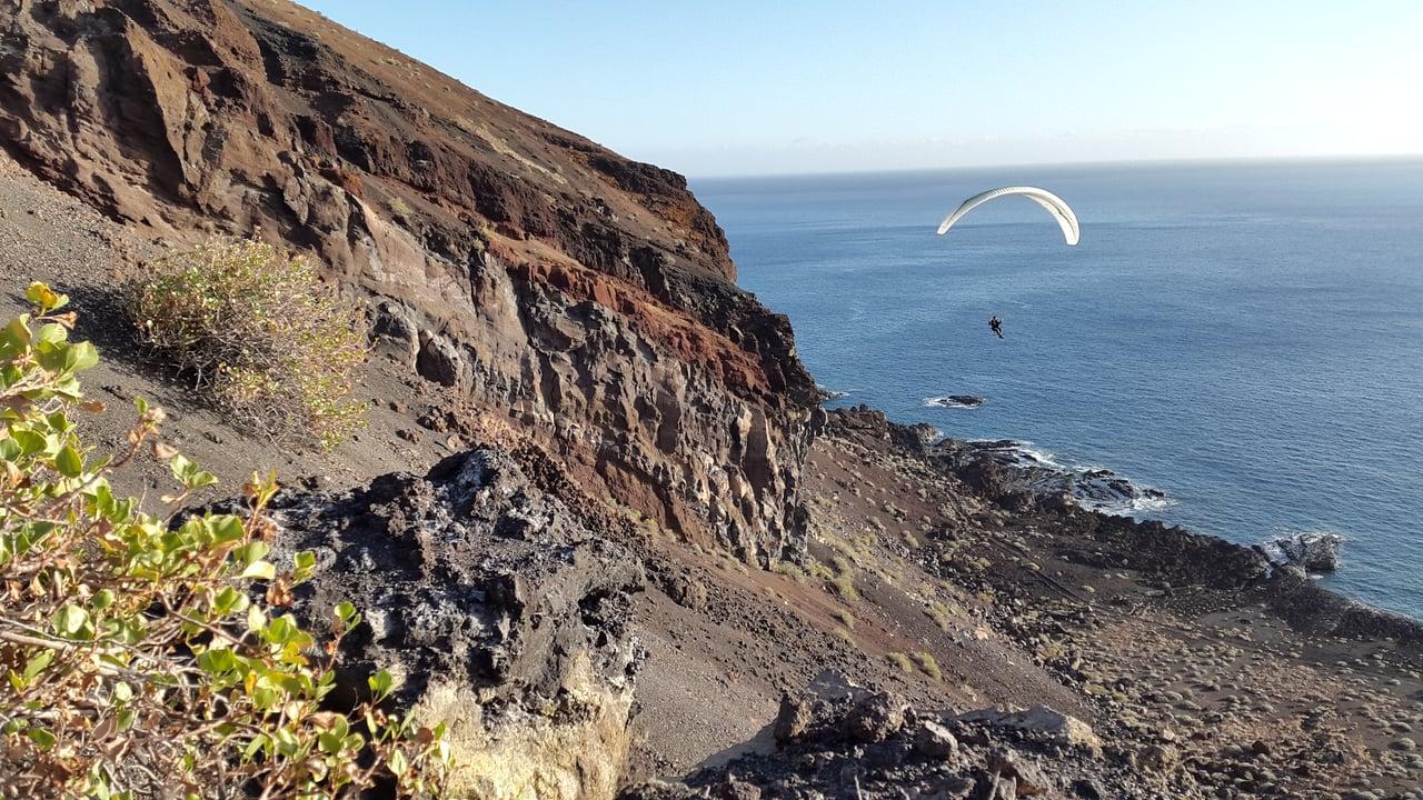 Découverte en vol d'une île des Canaries bien à part : El Hierro