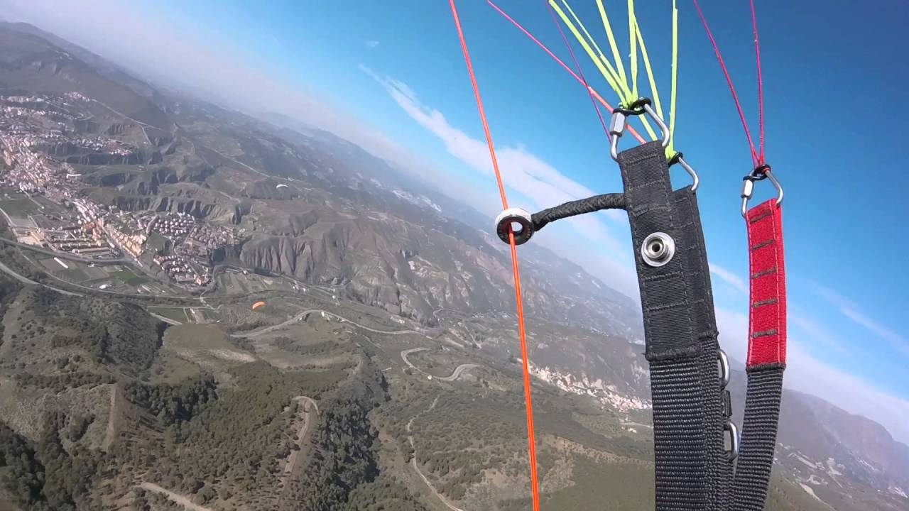 Vol sur le site parapente Cenes de la Vega (Espagne)