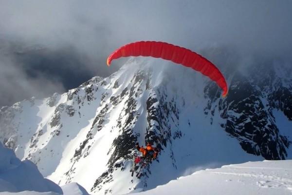 Le paralpinisme, un sport d'équipe : Rulten et Kétil en Norvège