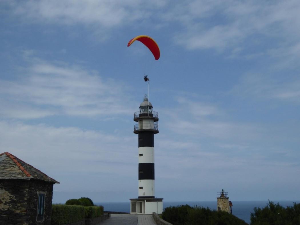 Jean Baptiste, jaloux d'un touch de Samy en haut d'un phare ;)