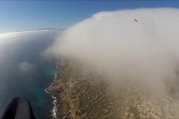 Soaring parapente à Mallorca peu banal : vol au dessus de la brume