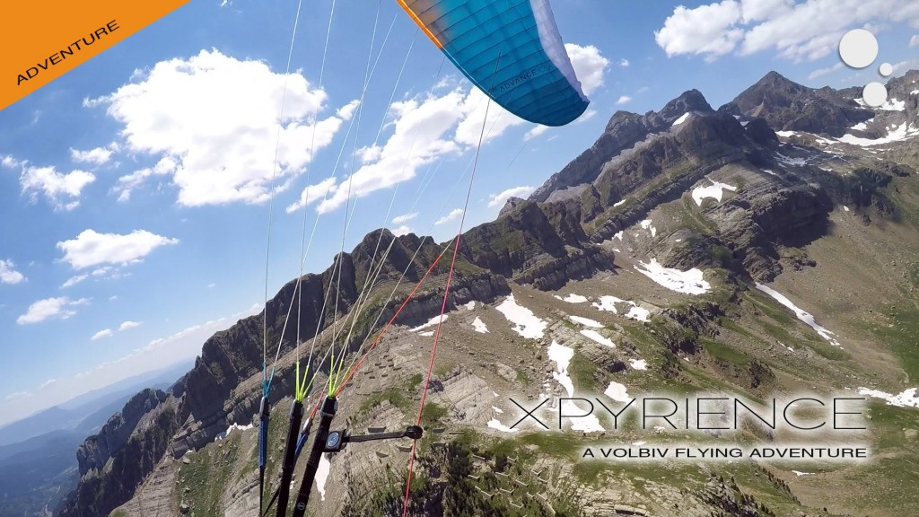 The XPYRIENCE paragliding adventure in the Pyrenees