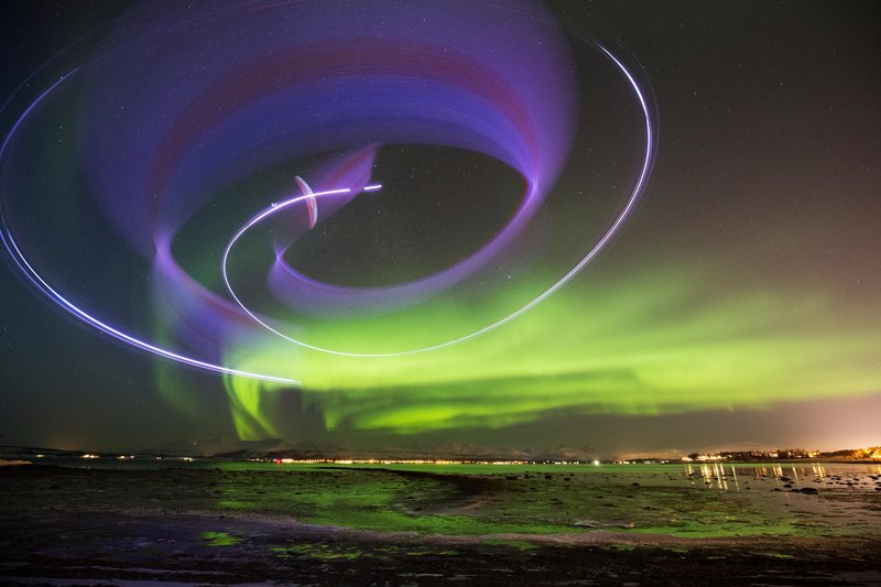Horacio Llorens danses with the Northern Lights