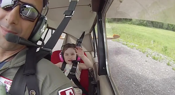 4 year old Léa giggles hysterically through aircraft acro