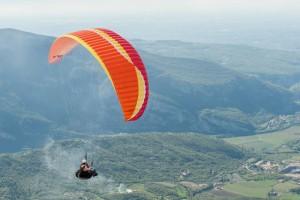 Ailes, sellettes et parachutes secours