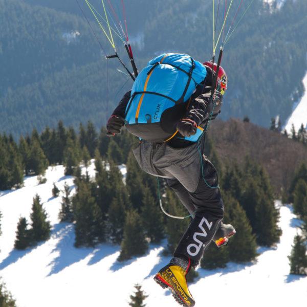 Sellette Crux Sky paragliders au décollage