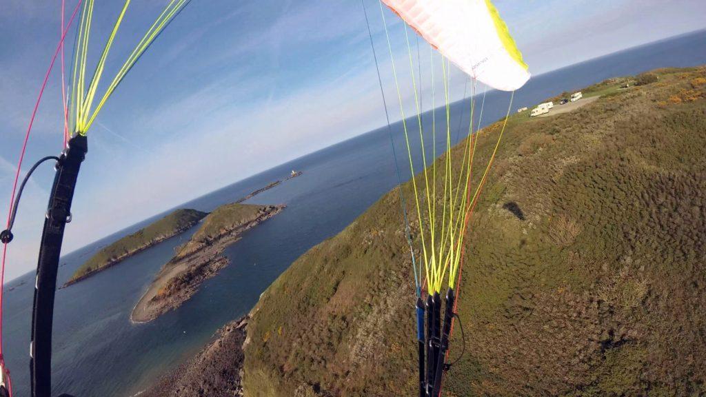 Tests de voiles dans le vent fort : ADVANCE Omikron 17 m²