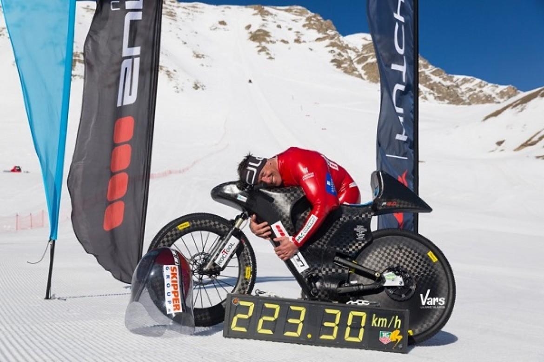 Record de vitesse battu en VTT par Eric Barone : 223,30 km/h