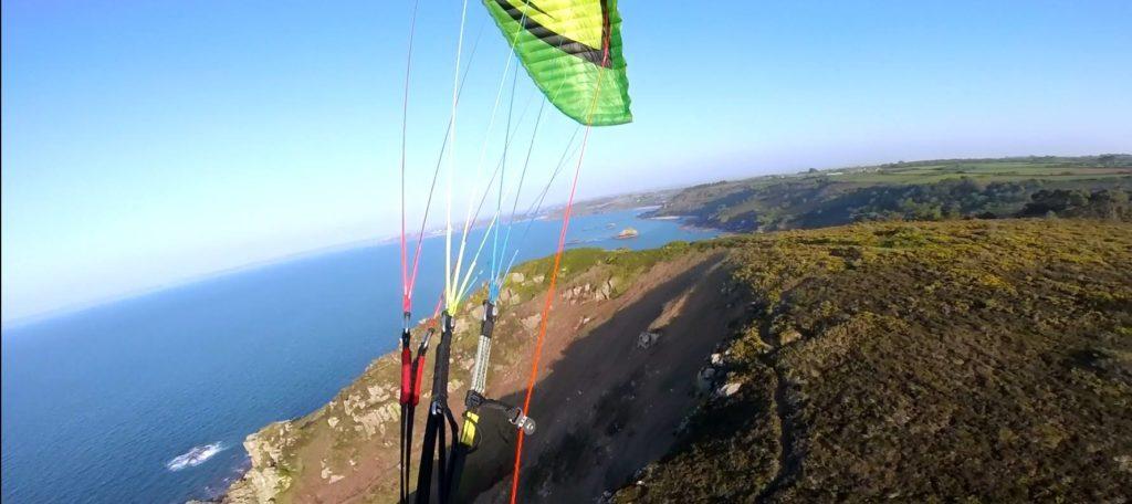 Tests de voiles dans le vent fort : ITV Awak2 18m²