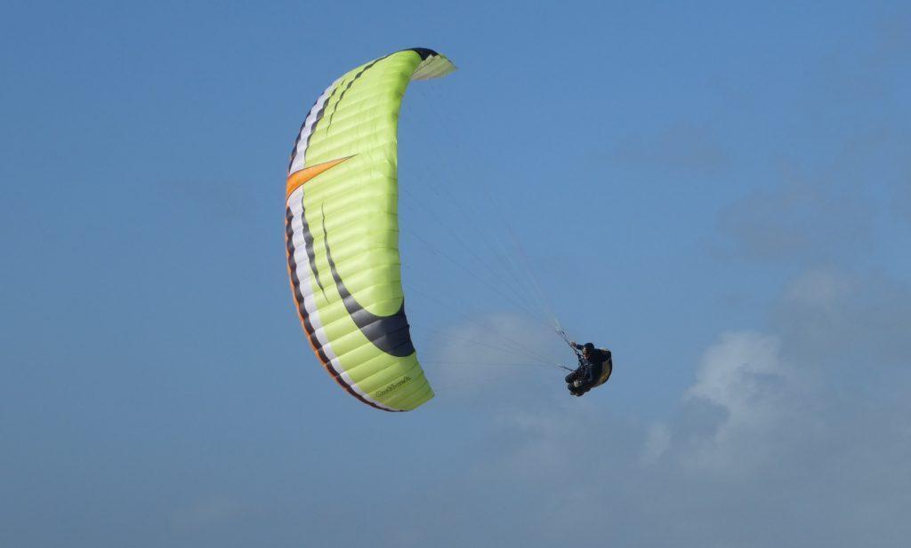 Tests de voiles dans le vent fort : Mac Para Outback 21 m²