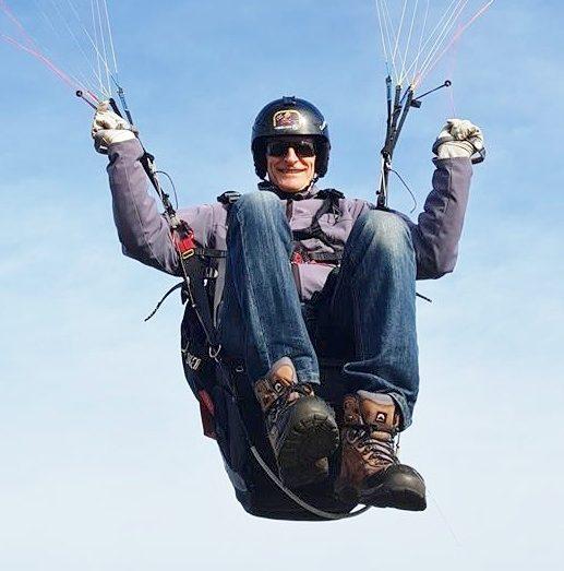 Pierre Le Gall, un pilote qui vole plus de 300 heures par an dans le Finistère