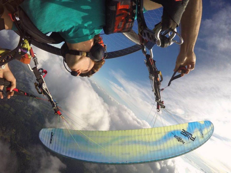 Test de la Chasecam SKYBEAN en paramoteur par l'acrobate Tucker Gott