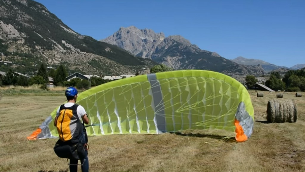 Une aile mono surface fabriquée entièrement par Thierry Bosq