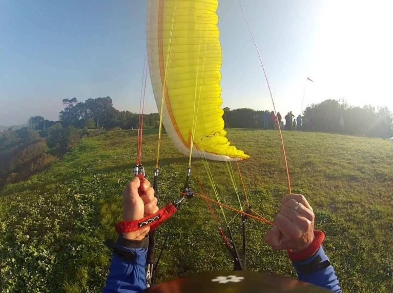 Techniques de gonflage parapente cobra pour décoller par vent fort
