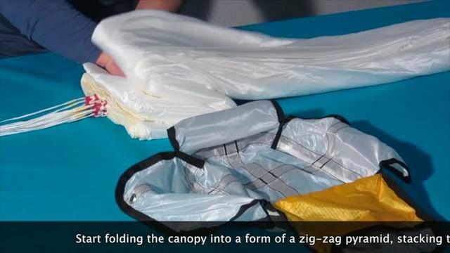 Comment plier un parachute de secours rond (Air Vuisa)
