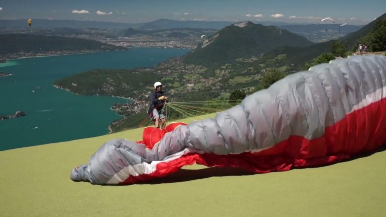 Conseils FFVL : le décollage / jouer au sol avec son parapente