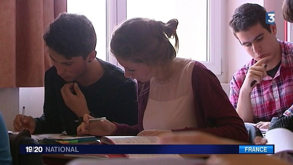 Des cours de parapente dans des lycées français