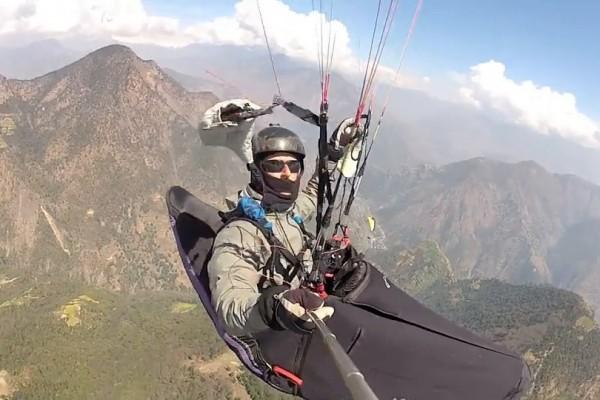 En mémoire d'une aventure parapente au Népal qui finit mal
