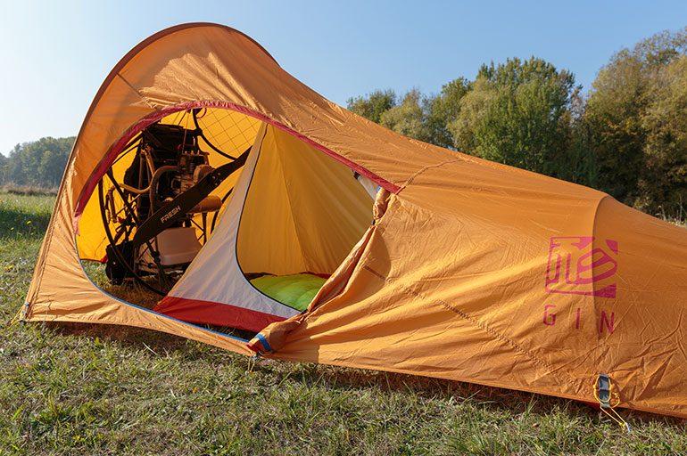Bivouac en paramoteur, c'est possible grâce à la « Paramotor tent »