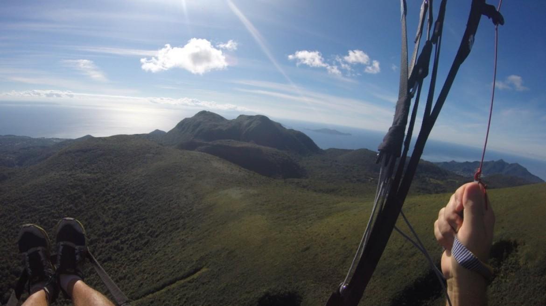 Vol parapente depuis le volcan de la Soufrière (Guadeloupe)