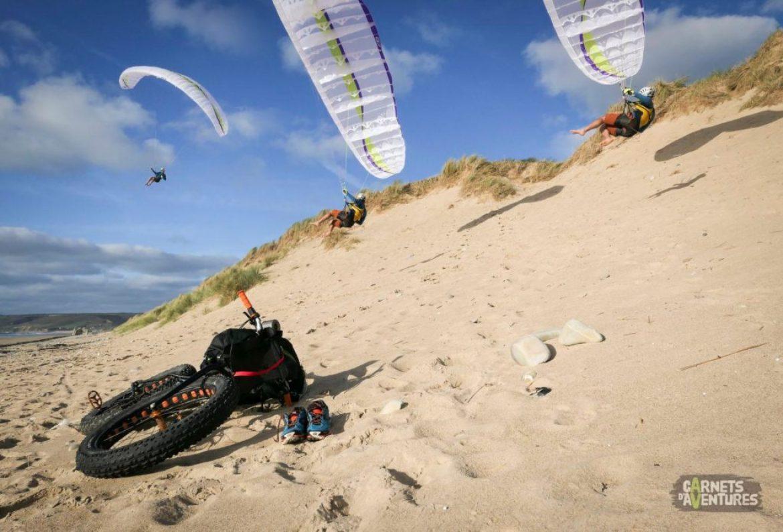 600 km de littoral normand en parapente et fatbike avec Anthony