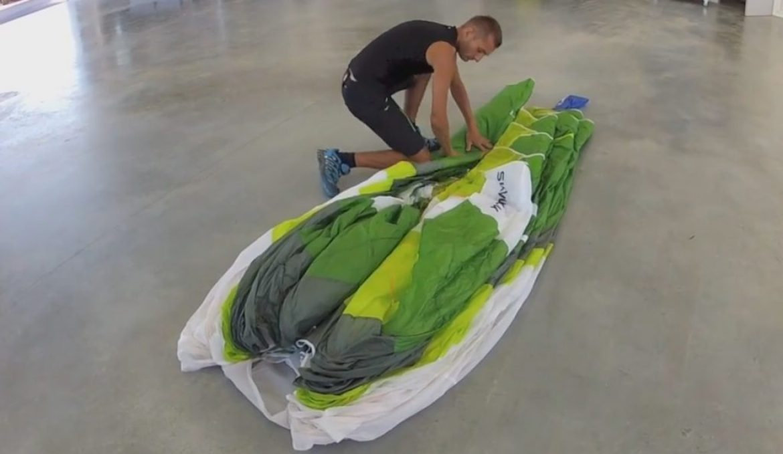 La technique de pliage du parapente préconisée par fabricants et ateliers