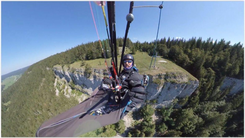 Vol depuis le site parapente la Roche Champion (Doubs)