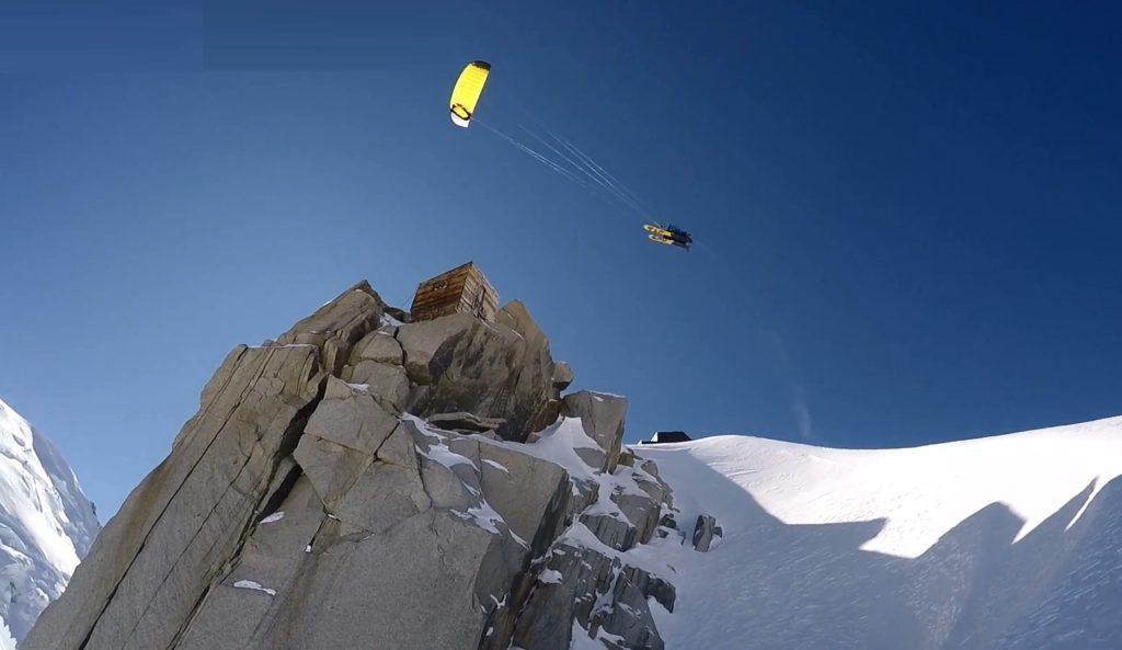 Snowkite : un sport de randonnée en montagne qui donne des ailes !