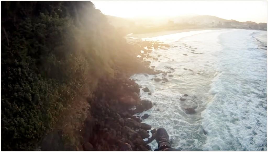 Soaring bord de mer avec choix difficile en finale : mer ou rochers ?