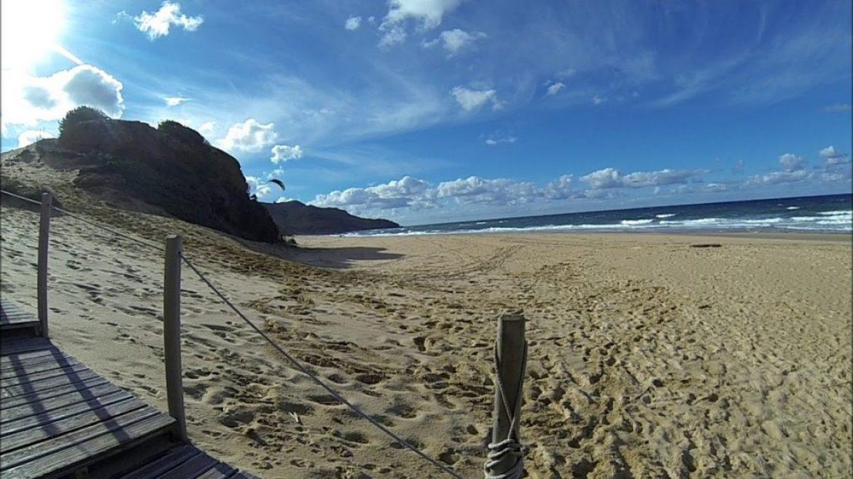 Soaring parapente cool sur la plage de Scivu avec Gérald (Sardaigne)