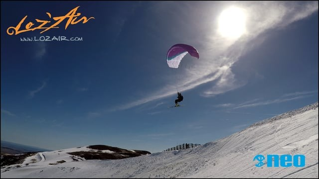 Speed riding et flying à ski avec la NEO X-Fly by Loz'air