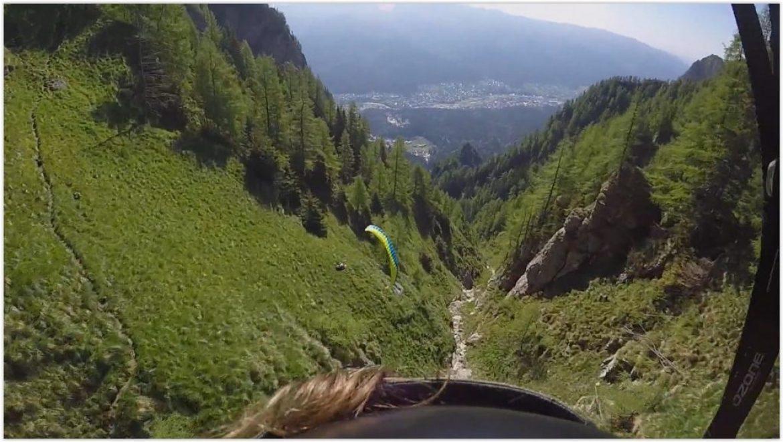 Speedflying impressionnant au Caraiman Peak (Roumanie)