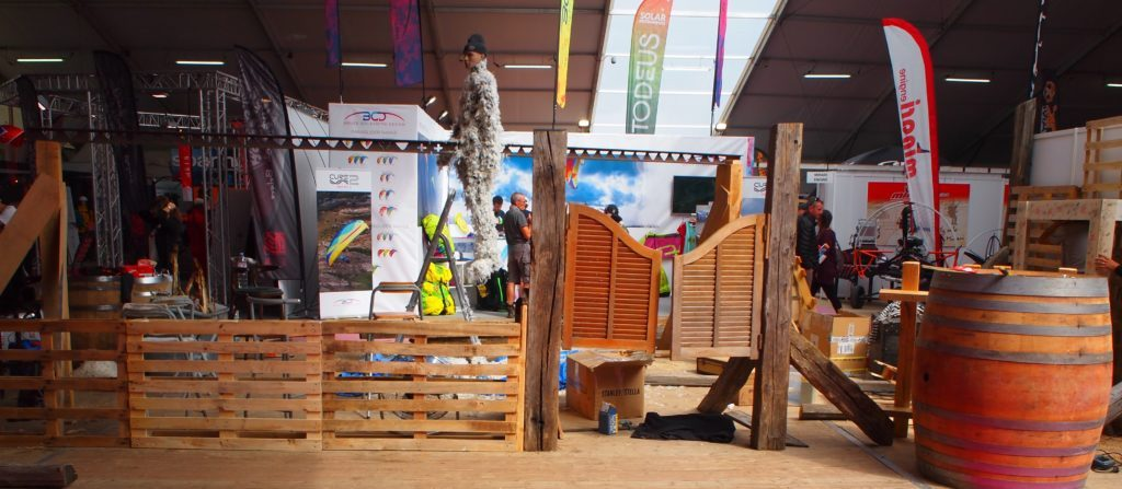 Nouveautés voiles sur le stand OZONE France à Icare expo