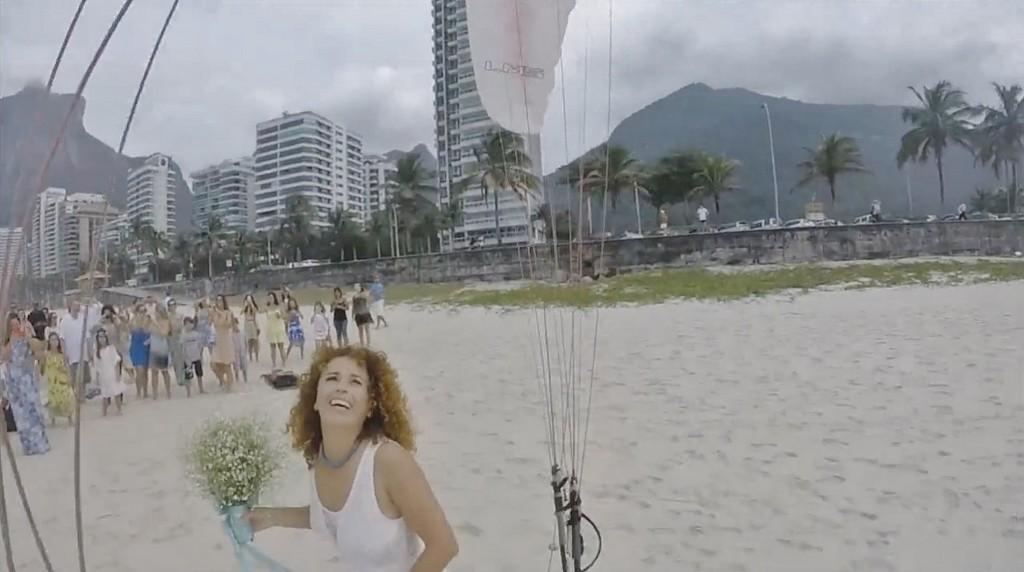 Le mariage de Luciana et de Stéphane en parapente à Rio
