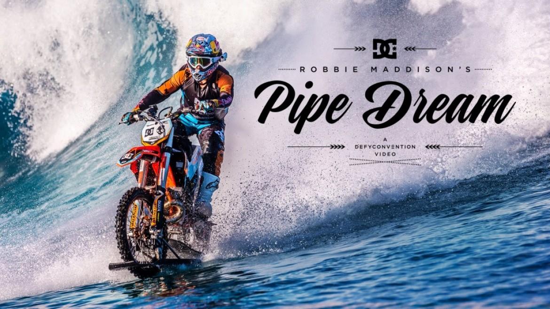 Surfer la vague avec une KTM, déroutant et impressionnant