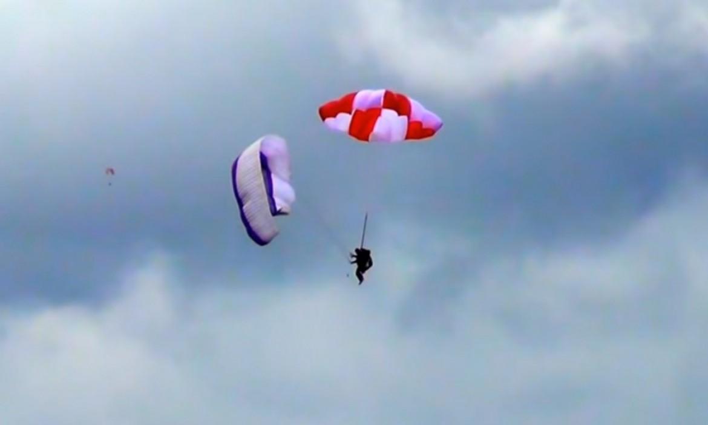 Test en vol du parachute de secours carré SUP'AIR Fluid