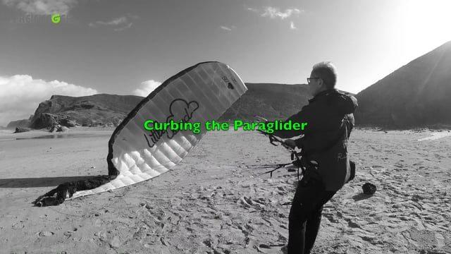 The « curb-technique » pour gonfler sa voile dans le vent fort