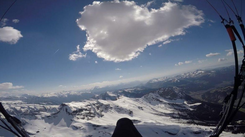 """Tout là-haut, c'est """"silence"""". Xavier, un jeune pilote converti"""