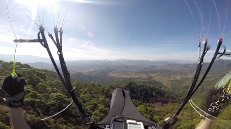 Vol sur le site parapente El Peñon – Valle de Bravo (Mexique)