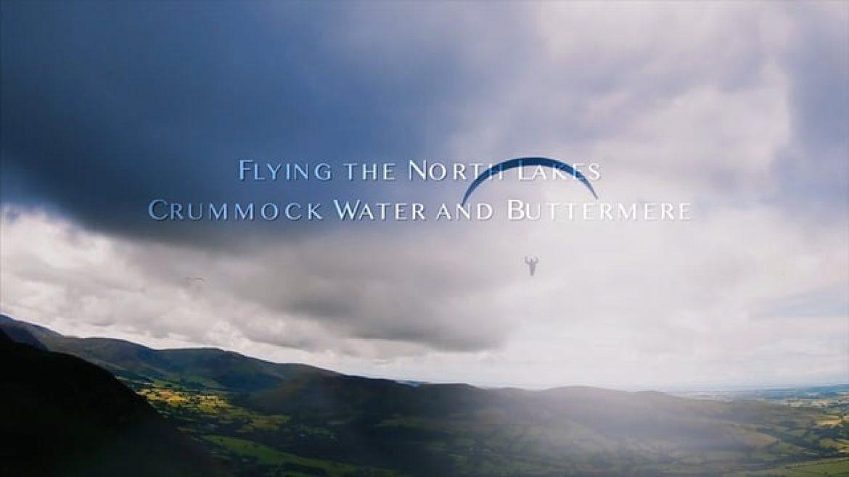 Parapente dans le Lake District, pays des lacs dans le Nord de l'Angleterre