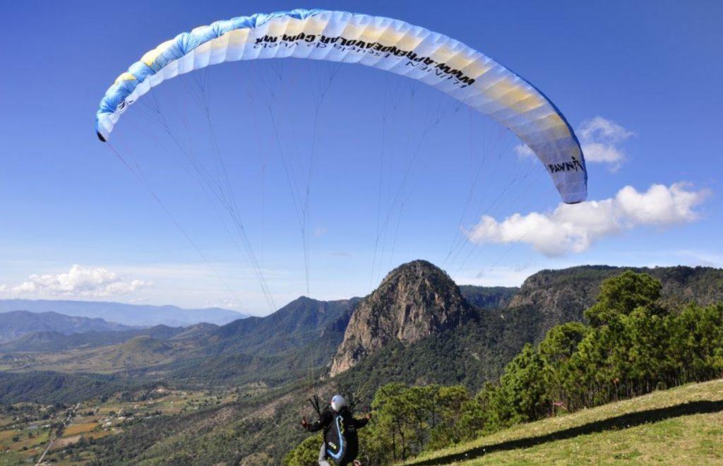 Partir voler en parapente au Mexique (Valle de Bravo / El Peñon)