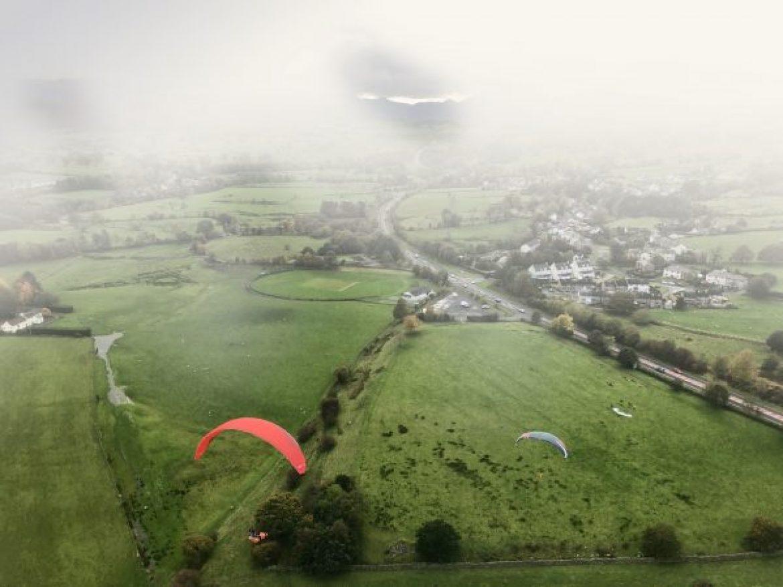 Voler sous la pluie en parapente : attention danger !