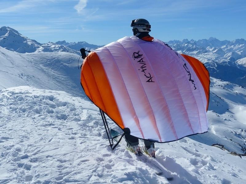 De nouvelles sensations en ski avec les ailes Wingjump